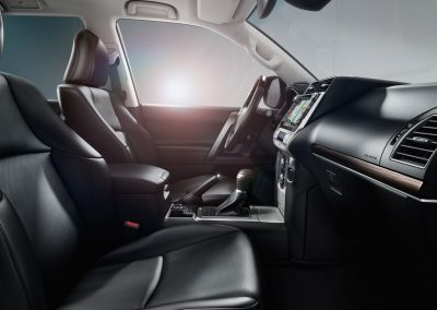 toyota-land-cruiser-2017-interior-tme-012-a-full_tcm-18-1133319