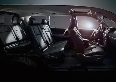 toyota-land-cruiser-2017-interior-tme-015-a-full_tcm-18-1133325